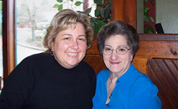 Lisa Kulok with her mother Carol who passed away from pancreatic cancer