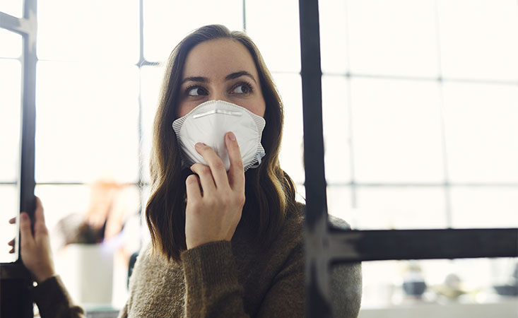 Pancreatic cancer caregiver wearing a mask recovers from coronavirus (COVID-19) symptoms